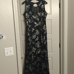 Silver Foil Print Sweetheart Neckline Evening Gown